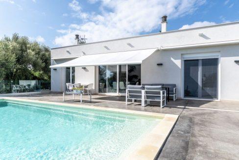 casa-piscina-cala-romantica-mallorca-video-home (1)