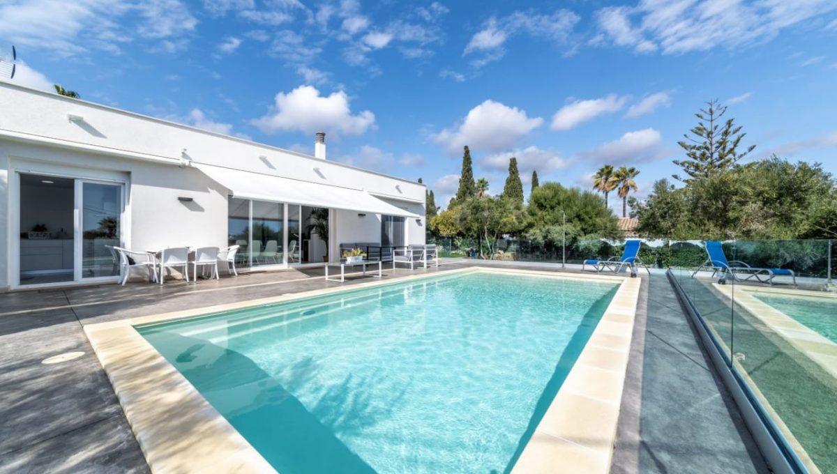 casa-piscina-cala-romantica-mallorca-video-home (16)