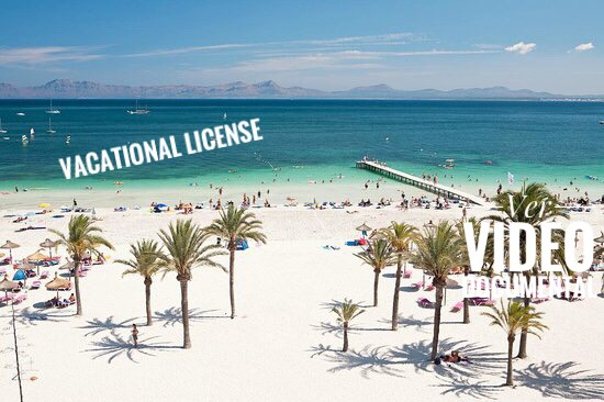 Bonito chalet + apartamento con piscina y licencia vacacional en Playa de Muro
