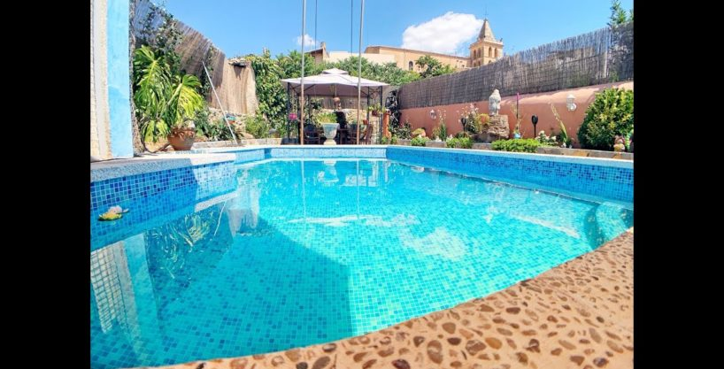 Very spacious village house with pool and terrace in Sant Joan. See Video-Documentary