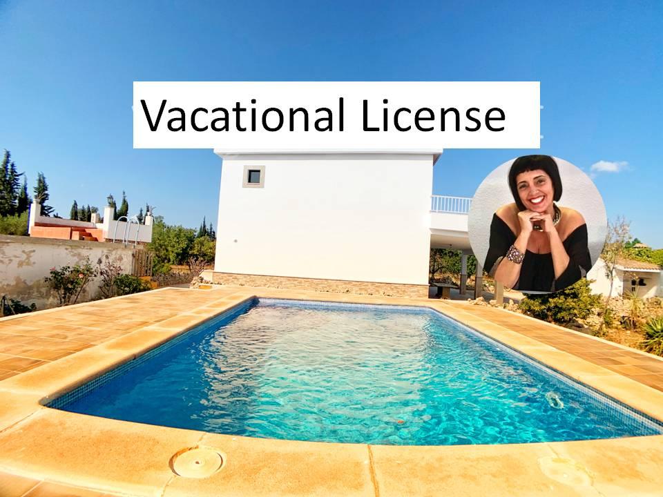 Villa mit neu renoviertem Haus nagelneu mit Pool und Ferienlizenz in Llubí