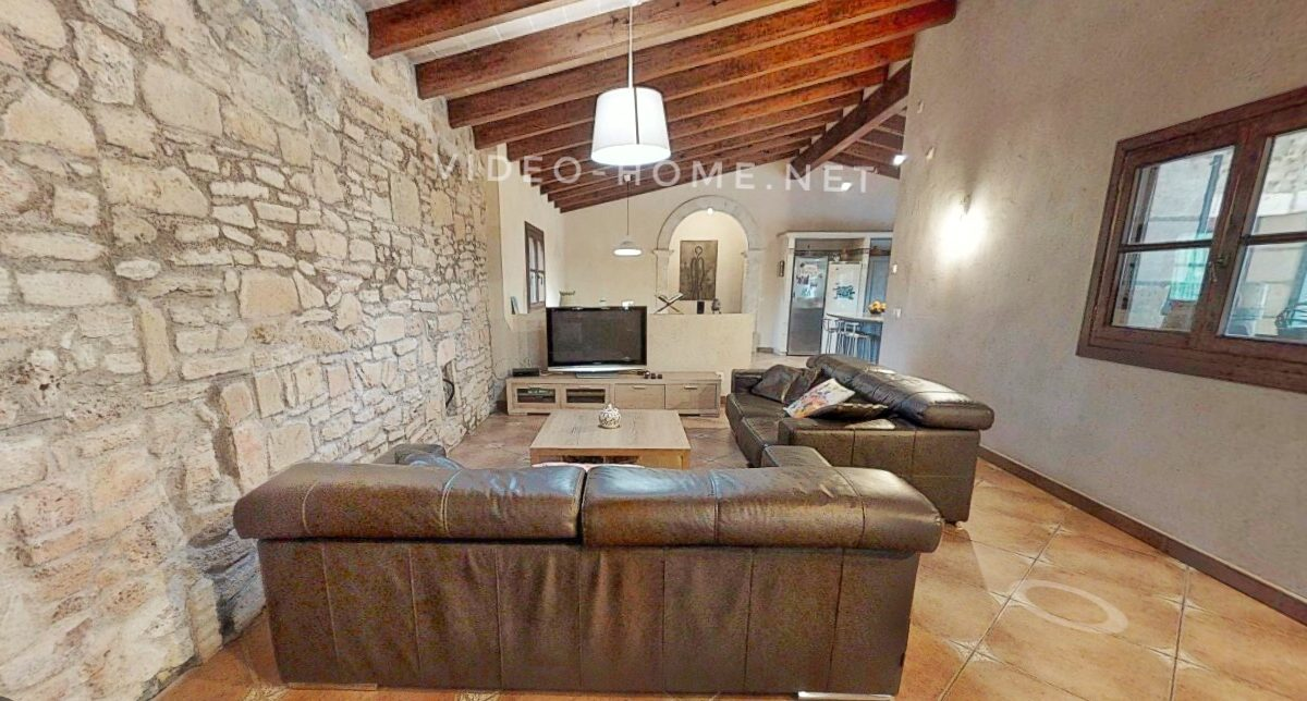 casa-con-piscina-cala-agulla-video-home-net (16)