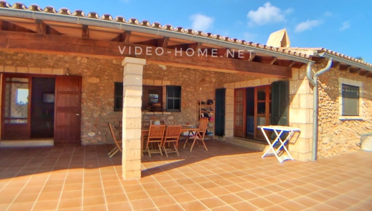 casa-con-piscina-cala-agulla-video-home-net (8)
