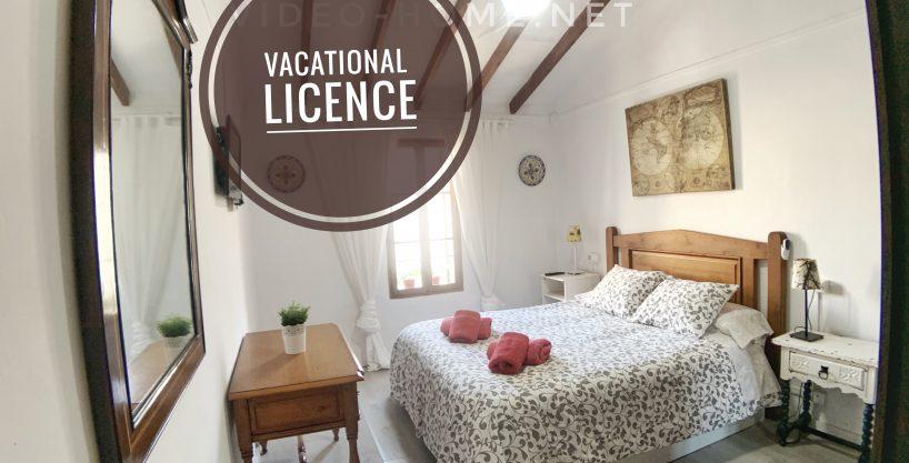 Casa con licencia vacacional en segunda linea de mar