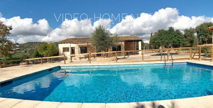 Finca – Villa de 16.000 m. en Son Carrió con casa, piscina y barbacoa.