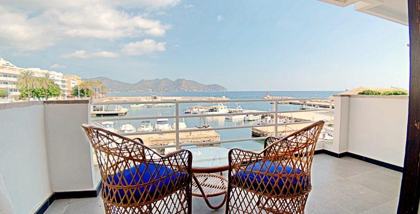Alquiler piso de lujo en primera línea del puerto de Cala Bona.