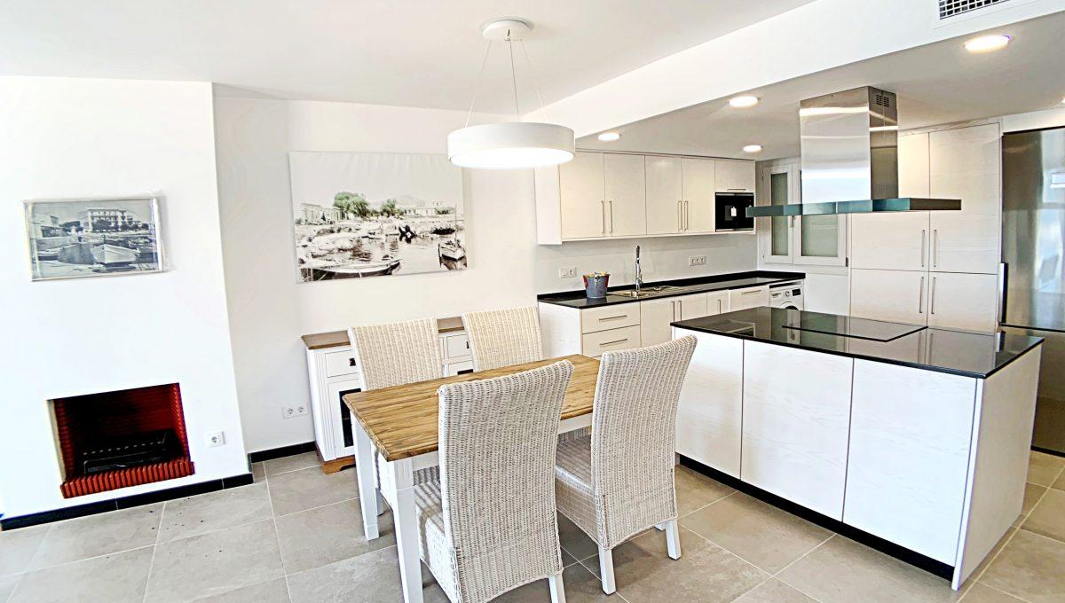 alquiler-piso-cala-bona-frente-al-mar-video-home (15)