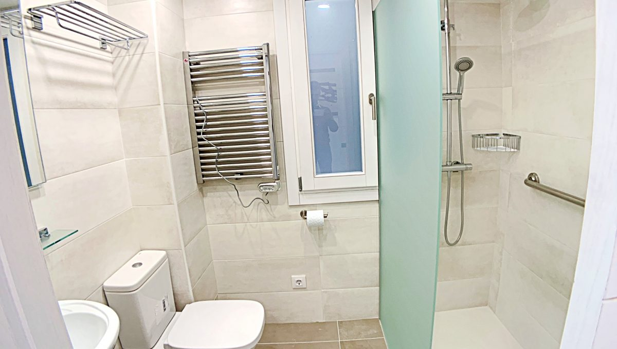 alquiler-piso-cala-bona-frente-al-mar-video-home (17)
