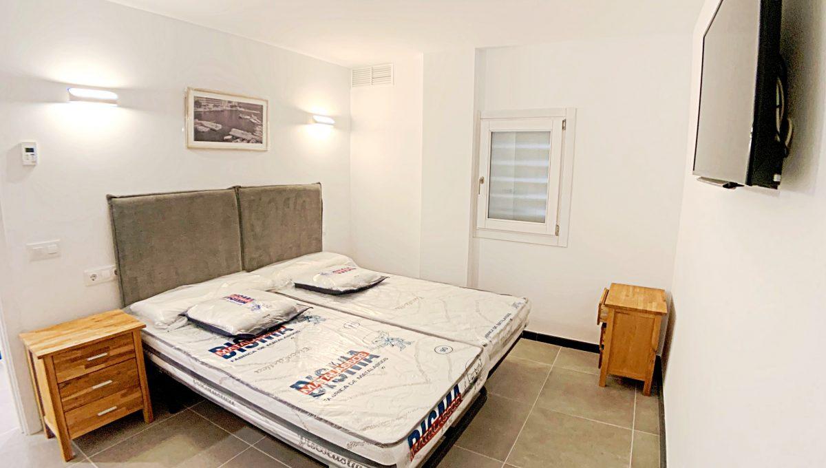 alquiler-piso-cala-bona-frente-al-mar-video-home (19)
