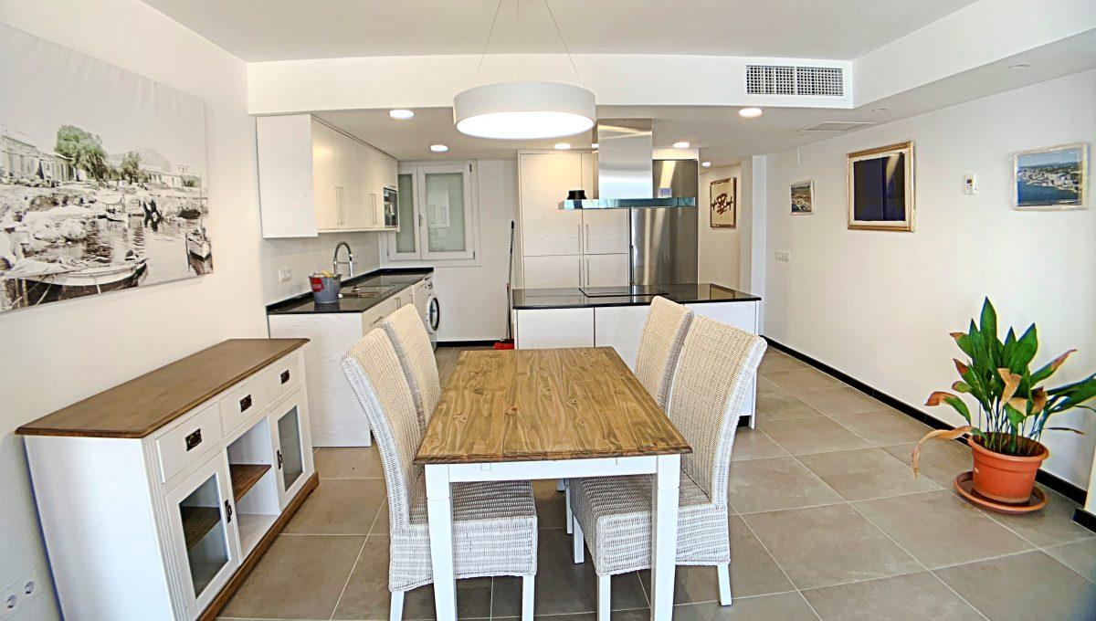 alquiler-piso-cala-bona-frente-al-mar-video-home (2)
