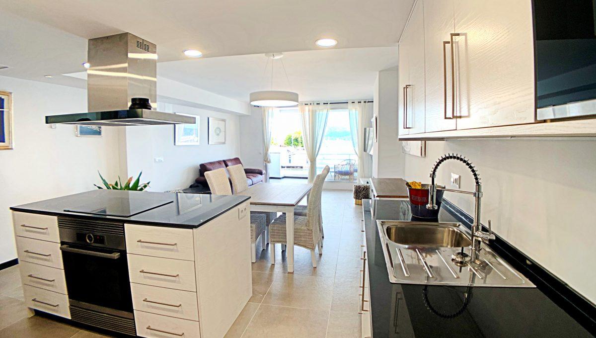 alquiler-piso-cala-bona-frente-al-mar-video-home (4)