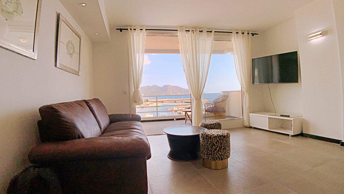 alquiler-piso-cala-bona-frente-al-mar-video-home (7)
