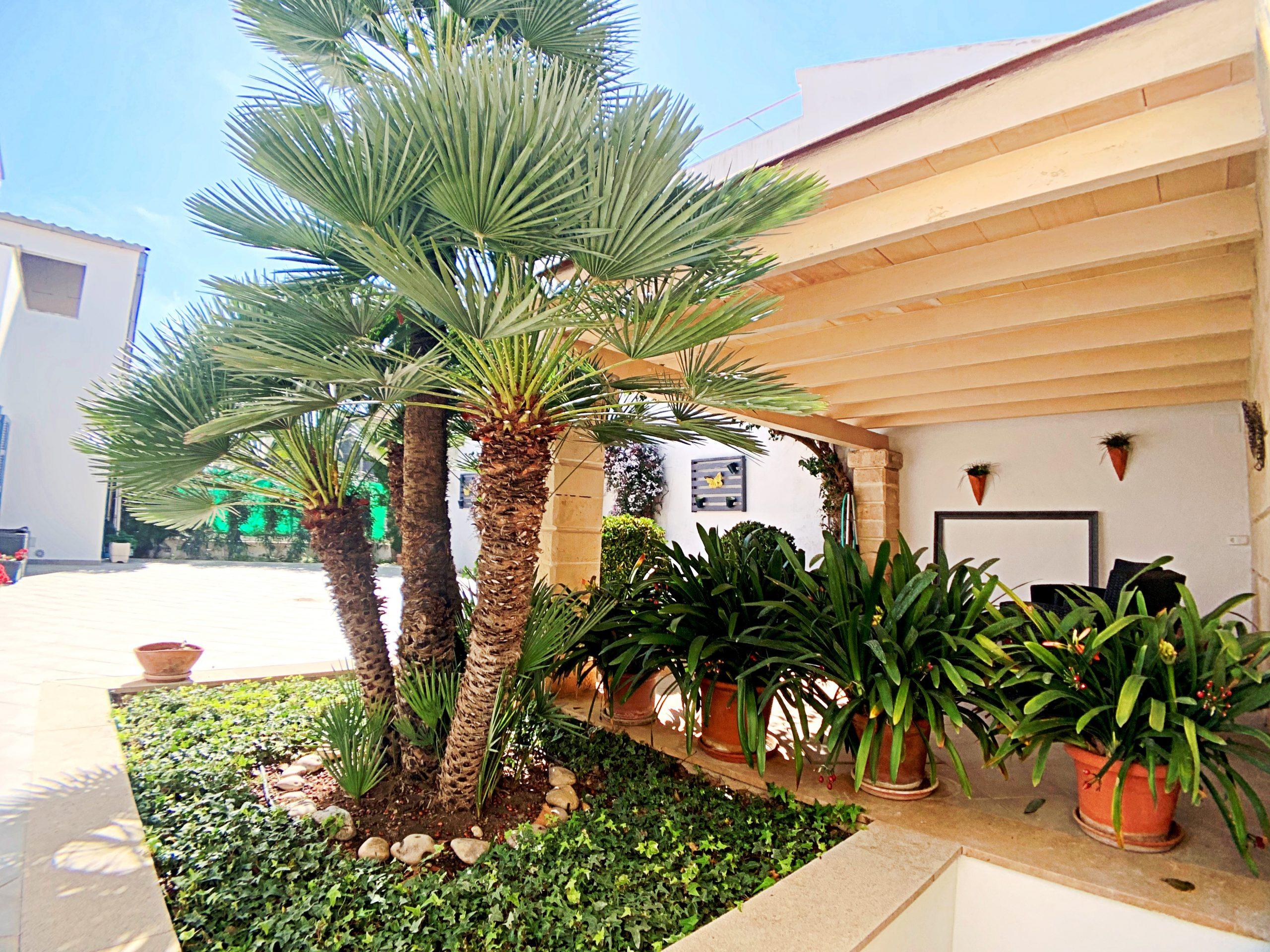 Casa de pueblo con garaje para 4 coches en Son Servera