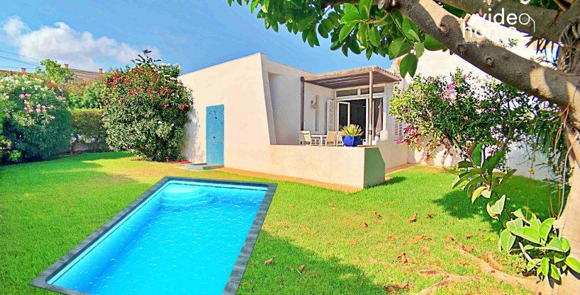 Casa en Cala Anguila/Cala Mendia junto a la playa.