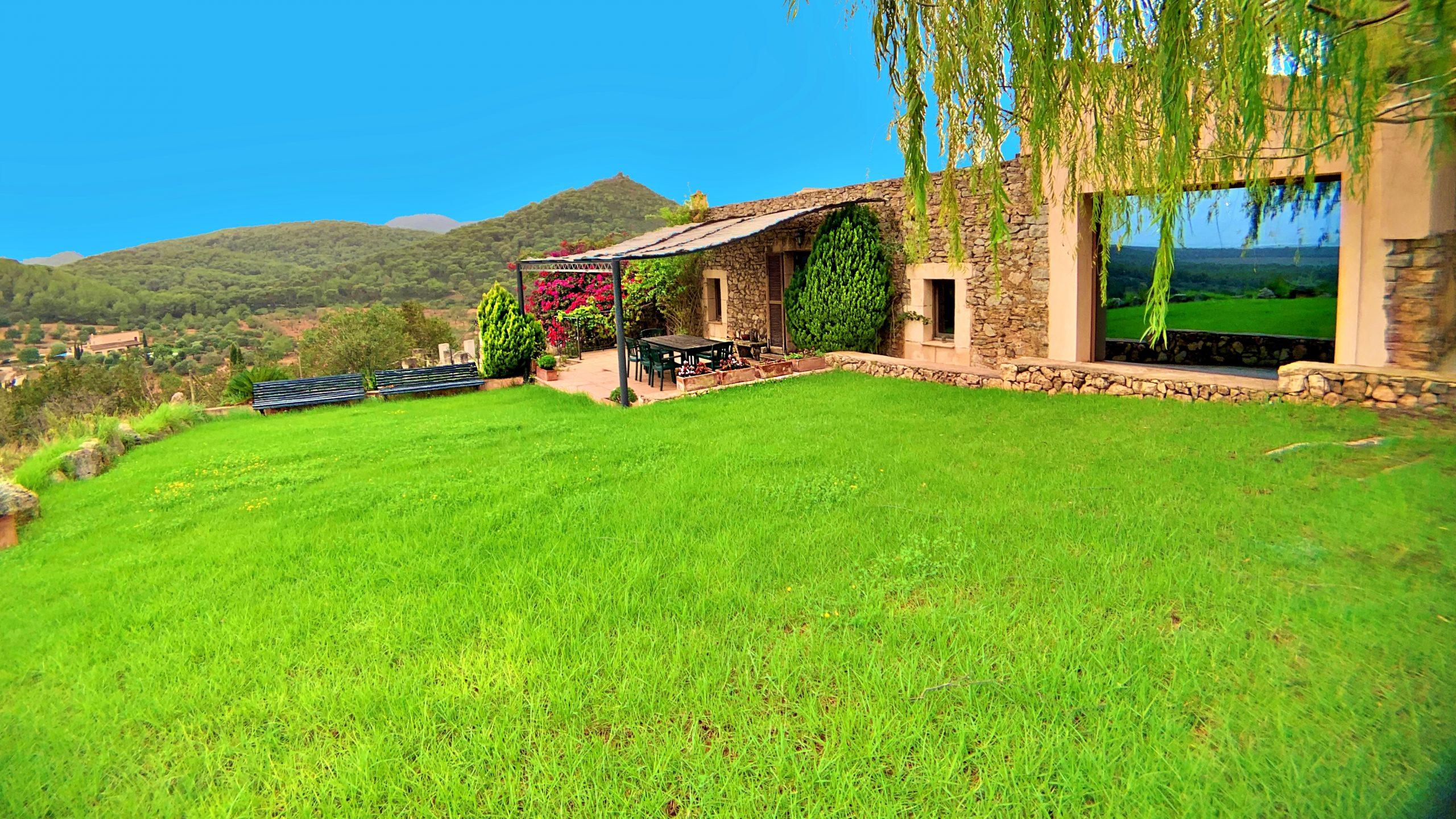 Villa + 3 bungalows con vistas al mar y licencia turística entre son Maciá y Porto Colom, Mallorca.