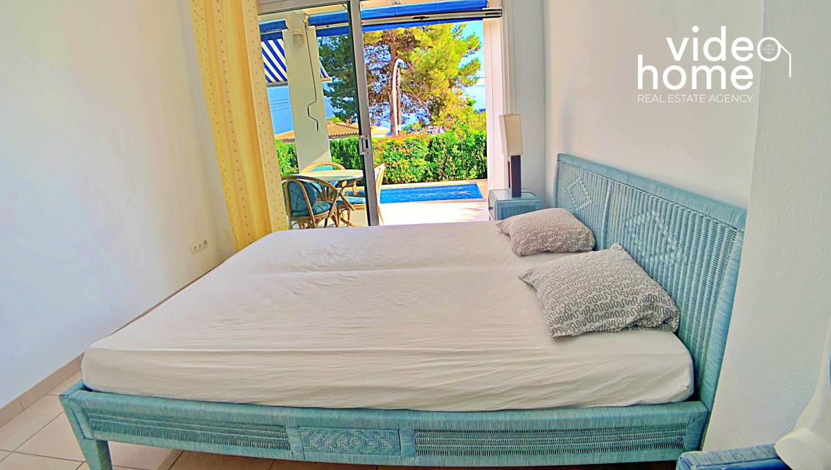 casa-chalet-piscina-vistas-al-mar-cala-mandia-mallorca-video-home (12)