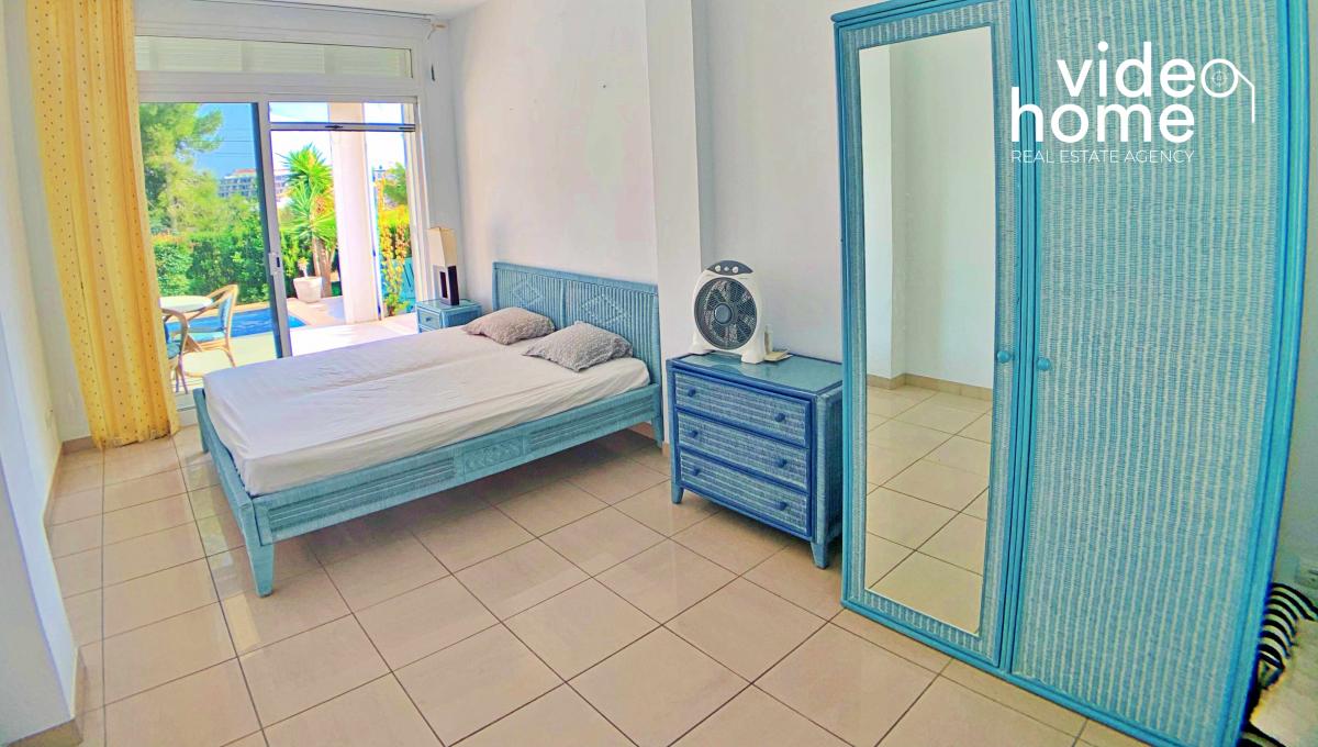 casa-chalet-piscina-vistas-al-mar-cala-mandia-mallorca-video-home (13)