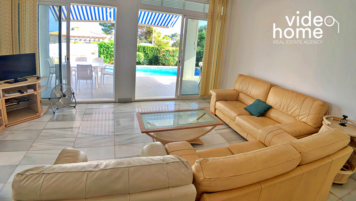casa-chalet-piscina-vistas-al-mar-cala-mandia-mallorca-video-home (22)