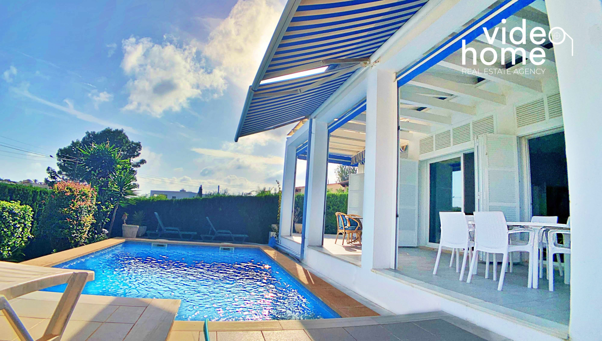 casa-chalet-piscina-vistas-al-mar-cala-mandia-mallorca-video-home (26)
