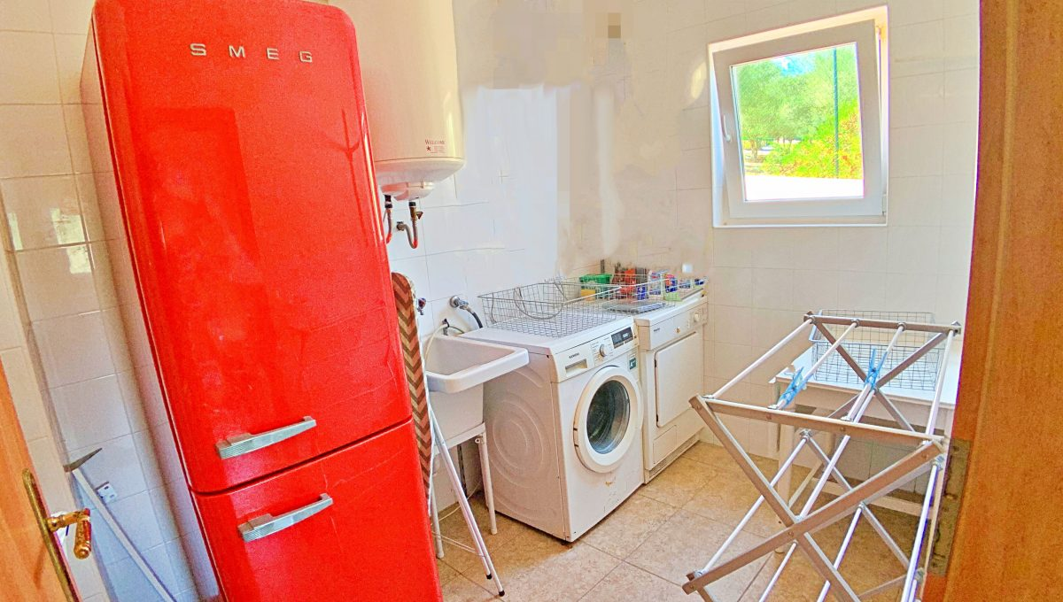 casa-planta-baja-jardin-piscina-playa-cala-mandia-mallorca-video-home (34)