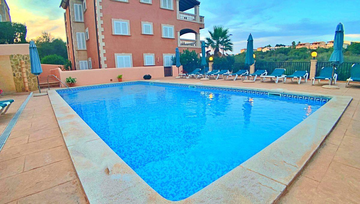 casa-planta-baja-jardin-piscina-playa-cala-mandia-mallorca-video-home (5)