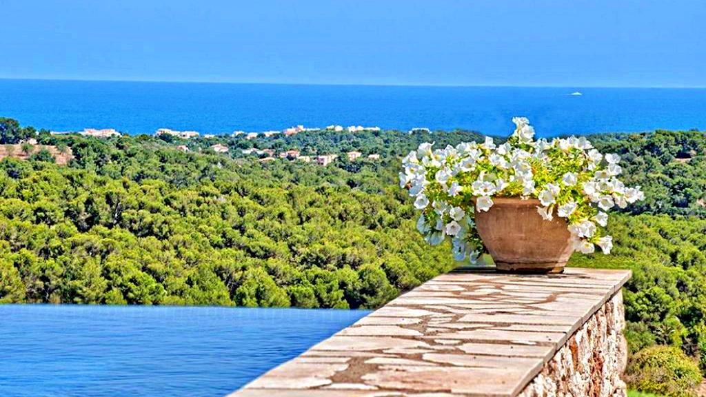 casa-villa-campo-vistas-panoramicas-piscina-son-macia-mallorca-video-home (1)