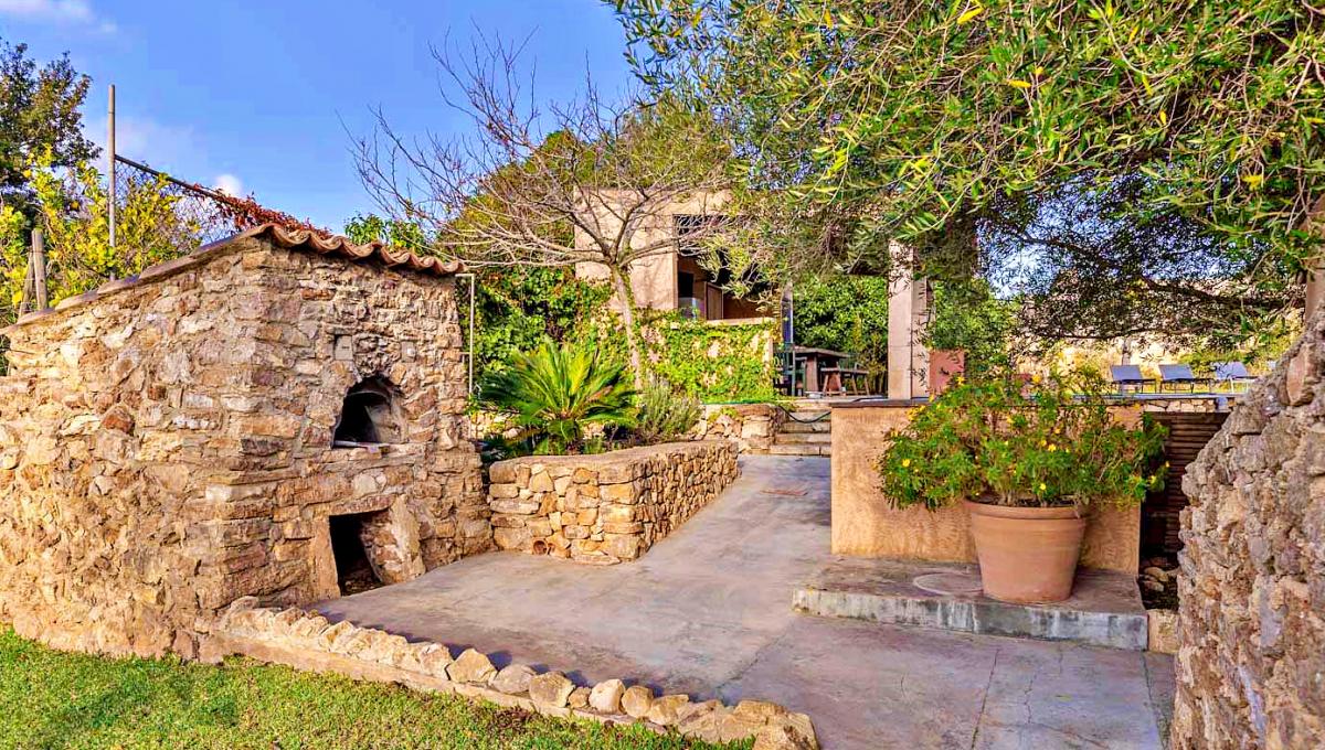 casa-villa-campo-vistas-panoramicas-piscina-son-macia-mallorca-video-home (10)