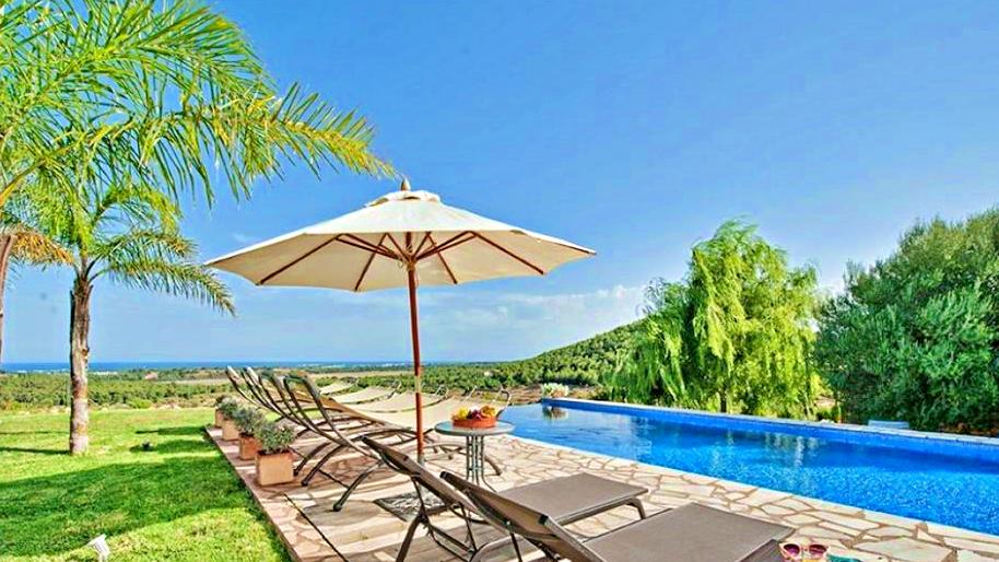 casa-villa-campo-vistas-panoramicas-piscina-son-macia-mallorca-video-home (2)
